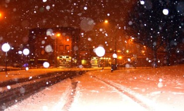 SNOW CAUSES ROAD CHAOS