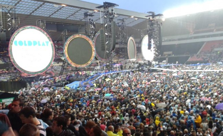 COLDPLAY ROCKS STADIUM OF LIGHT!