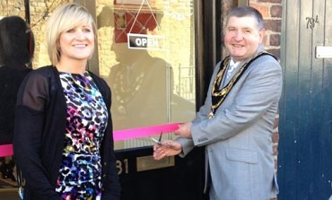 AYCLIFFE GIRL OPENS NEW SHOP
