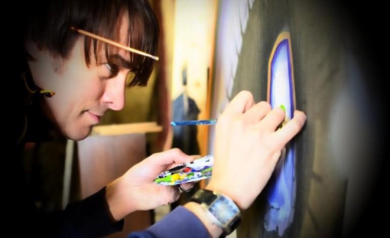 ARTIST HOLDS CLOSING EVENT