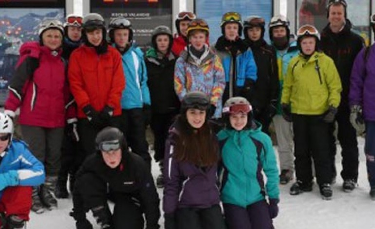 STUDENTS ON THE SLOPES IN ITALY