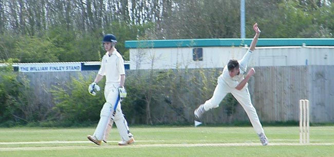 Dan Weldon bowling v Wolviston 1