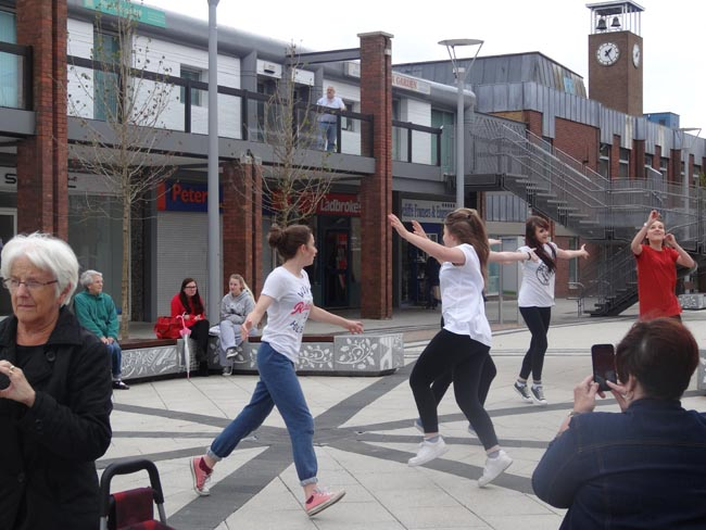 Cutting Loose Flash Mob event! 8July2014 004