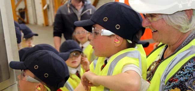 heighington school visit finley structures-hitachi june 2014