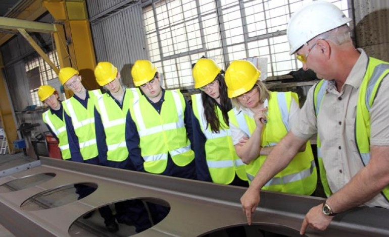 DURHAM UNI STUDENTS LEARN ABOUT STEEL FABRICATION