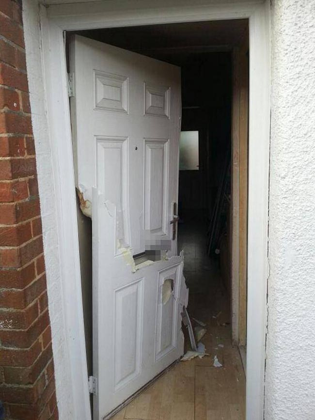 shafto way door smashed in drugs swoop