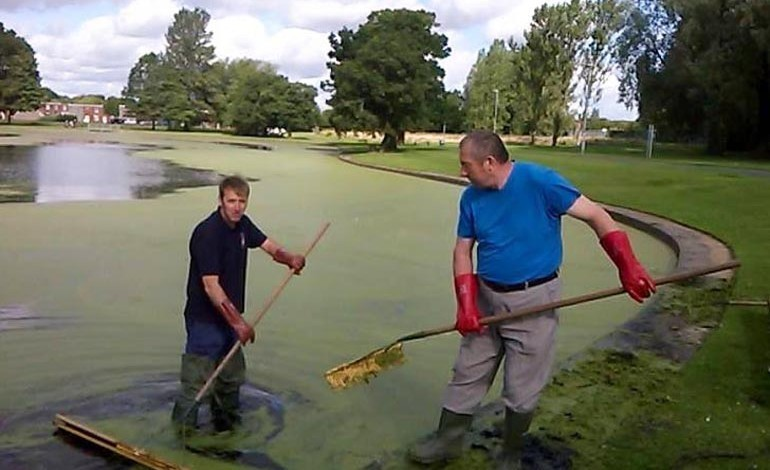 'Hopeless' lake-cleaning claims upset community champion