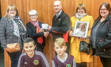 £530 donation to youth football club in memory of Ronnie Kipling