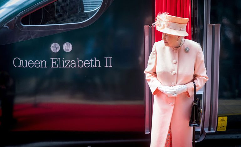 "HM The Queen names new Hitachi Intercity Express Train ""Queen Elizabeth II"""