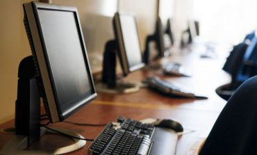 Benefit claimants reminded of free internet access