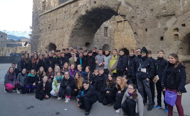 Aycliffe students enjoy Italian skiing trip