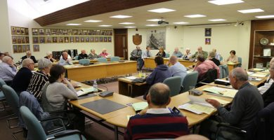 Council meeting descends into chaos – no final decision yet made on Santa Tours