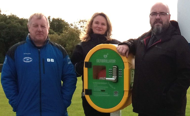 Community effort to install new public defibrillator at Sports Complex
