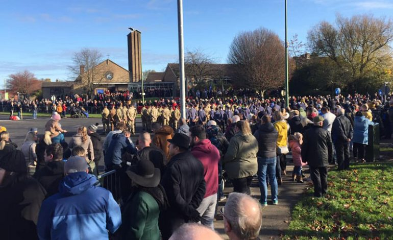 Hundreds mark Remembrance Sunday with Aycliffe services