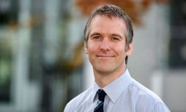 University pain expert spearheading national campaign