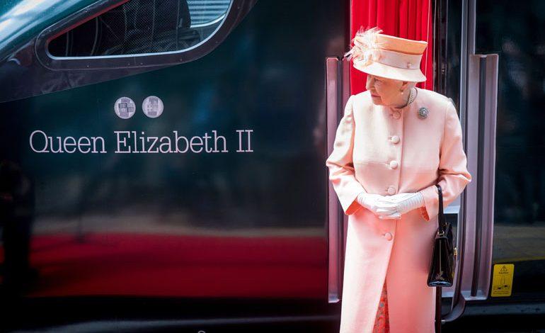 "HM The Queen names new Hitachi Intercity Express Train ""Queen Elizabeth II"""